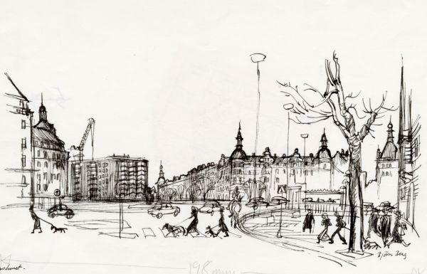 1972 Karlaplan  vårvinter sextiotal osign,  med nya  Strindbergshuset, snöpt och sirapsknäckig fasad, det ser halvfädigt ut, tyckte Björn Berg.  Kranen borde få stå kvar,. Detta blev det sista reportaget med Eva  von Zweigbergk 4 maj 1972  A round square in Stockholm: Karlaplan, where an old b
